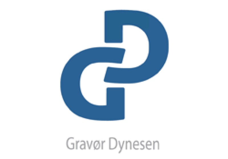 Få graveret et smukt navneskilt eller flot firmaskilt hos Gravør Dynesen til favorable priser